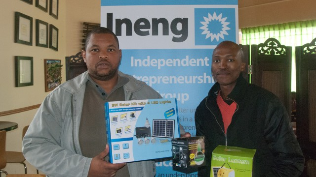 A photo of two entrepreneurs at an Ineng event.