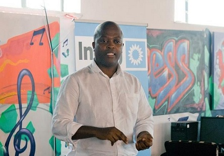 A photo of entrepreneur Luvuyo Rani - speaking at Ineng event